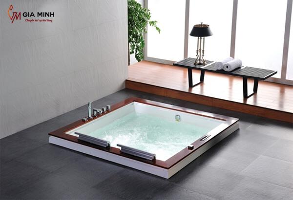 Hình ảnh bồn tắm xây kiểu hình vuông